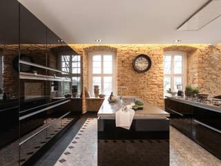 Planungsgruppe Korb GmbH Architekten & Ingenieure Modern kitchen Black