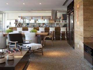 Alphaville Salas de jantar modernas por Deborah Roig Moderno