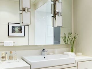 Bathroom Vanity:  Bathroom by Douglas Design Studio