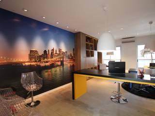 Moderne Bürogebäude von Pricila Dalzochio Arquitetura e Interiores Modern