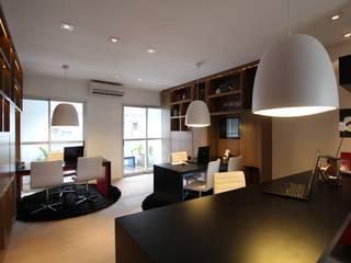 Pricila Dalzochio Arquitetura e Interiores Oficinas y tiendas