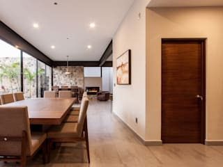 Dining room by Loyola Arquitectos