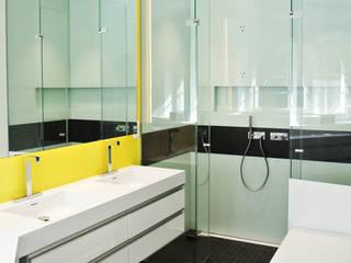 Moderne badkamers van Planungsbüro für Innenarchitektur Modern