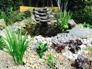 Water Feature Design Jardines de estilo clásico de Garden Ninja Ltd Clásico