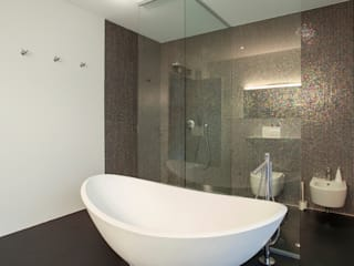 Modern With Free Standing Tub Modern bathroom by Gracious Luxury Interiors Modern