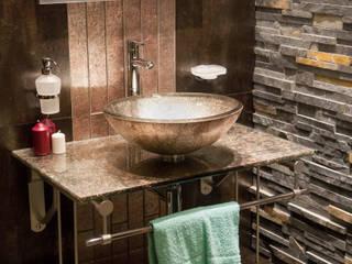 浴室 by Gracious Luxury Interiors
