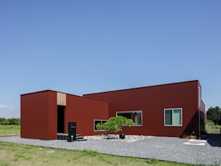 現代房屋設計點子、靈感 & 圖片 根據 カトウアーキテクトオフィス 現代風