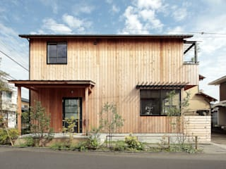 Maisons scandinaves par こぢこぢ一級建築士事務所 Scandinave