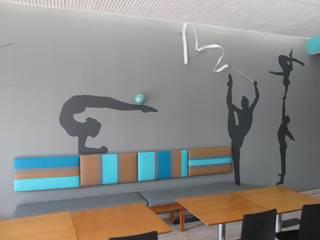 Restaurante Ginásio Clube Português Salas de jantar modernas por MARIA ILHARCO DE MOURA ARQUITETURA DE INTERIORES E DECORAÇÃO Moderno