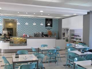 Restaurante Ginásio Clube Português: Salas de jantar  por MARIA ILHARCO DE MOURA ARQUITETURA DE INTERIORES E DECORAÇÃO
