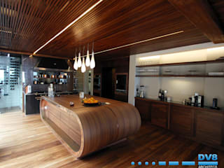 Preller Clifton:  Kitchen by DV8 Architects