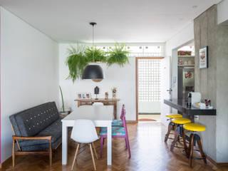 Modern dining room by Joana França Modern