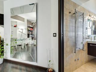 Appio Latino | contemporany: Ingresso & Corridoio in stile  di EF_Archidesign