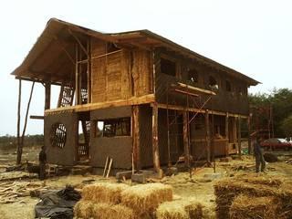 Casas modernas por Estudio Terra Arquitectura & Patrimonio Moderno