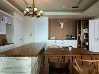 岩感、霧棕色牆,映襯粗獷空間質感 根據 青瓷設計工程有限公司 鄉村風