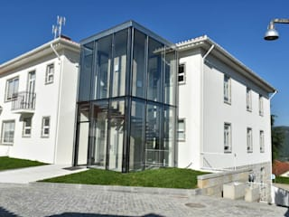 Reconstrução e alteração de um edificio destinado a serviços por face lda