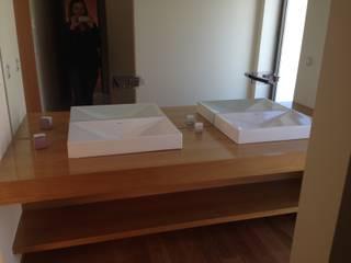 Habitação unifamiliar Casas de banho minimalistas por face lda Minimalista