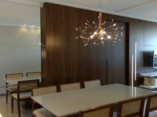 Projeto JC|V Salas de jantar clássicas por Office Duo Arquitetura e Interiores Clássico