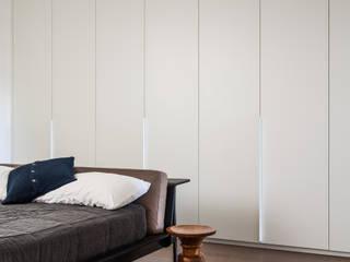 Dormitorios de estilo  de AU Architects, Moderno