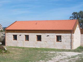 Restauracion y ampliacion de vivienda en O Grove Casas de estilo rural de galiciadreams sl Rural