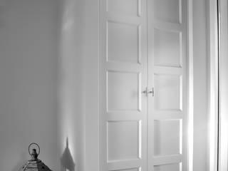 Joep Schut, interieurmaker Corridor, hallway & stairsDrawers & shelves White