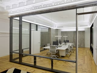 Office buildings by ÁBATON Arquitectura,