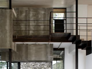 Modern Corridor, Hallway and Staircase by ÁBATON Arquitectura Modern