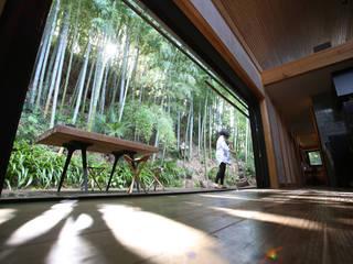 Eclectic style balcony, veranda & terrace by すわ製作所 Eclectic