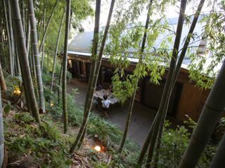 竹林から見たテラス: すわ製作所が手掛けたテラス・ベランダです。