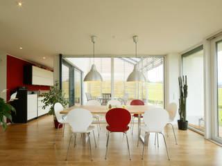 EFH L-S.: moderne Esszimmer von brack architekten