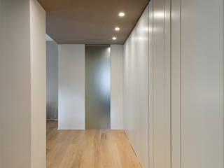Corridor & hallway by Archifacturing,