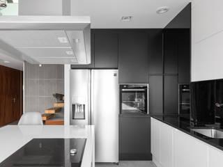 Al. Rzeczypospolitej 2: styl , w kategorii Kuchnia zaprojektowany przez Patryk Kowalski Architektura i projektowanie wnętrz
