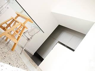Casa K: Cucina in stile  di Progetto Kiwi Architettura, Moderno