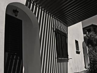 Pergolato B:  in stile  di Progetto Kiwi Architettura, Moderno