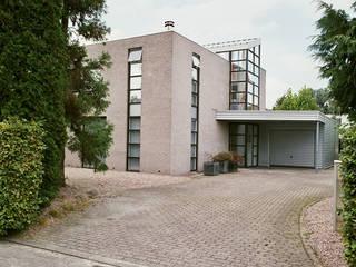 Villa Groningen:  Huizen door Architectenburo Holtrop, Minimalistisch
