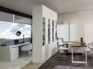 Study/office by Laskasas, Modern