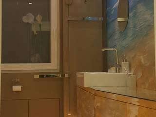 Stimmige Beleuchtung - Badezimmer mit Meerblick Mediterrane Badezimmer von Moreno Licht mit Effekt - Lichtplaner Mediterran