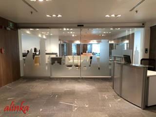Geschäftsräume & Stores von Alinka Interiorismo, Modern