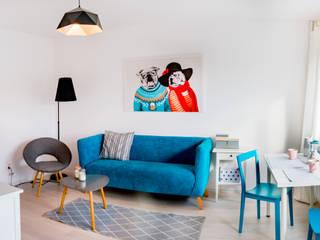 Modern Living Room by Pasja Do Wnętrz Modern