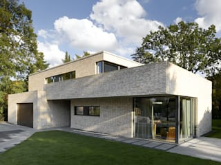 Villa am Alsterlauf - Hamburg Moderne Häuser von ARCHITEKT MECKLENBURG Modern