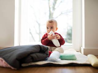 Zabawki w pokoju dziecka - Butelki Milk od Myah Skandynawski