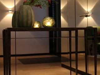 Einrichtung eines Familienhauses Moderner Flur, Diele & Treppenhaus von AID-Studio Modern