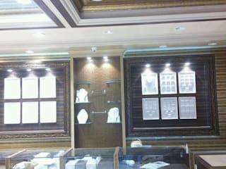 Jewellers Showroom: classic  by MARIA DECOR,Classic