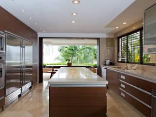Casa 906: Cocinas de estilo  por Objetos DAC