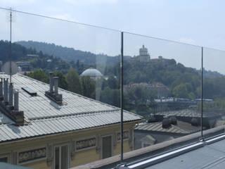 Balcones y terrazas de estilo minimalista de Valentina Farassino Architetto Minimalista