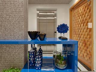 모던스타일 복도, 현관 & 계단 by Marcia Debski Ferreira Designer de Interiores 모던
