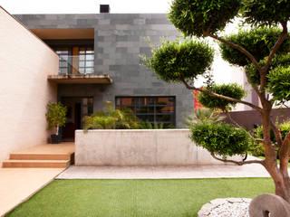 Casa unifamiliar en el Grao de Castellon: Casas de estilo  de Gemmalo arquitectura interior