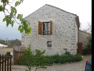Старый дом в итальянском стиле  в Краснодарском крае: Дома в . Автор – New Automation