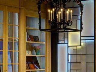 """""""Eden"""" Cloison créative lumineuse """"ON/ME Light"""" 02: Hôtels de style  par ON-ME"""