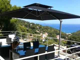 Cantilever parasol Solero Laterna:   by Solero